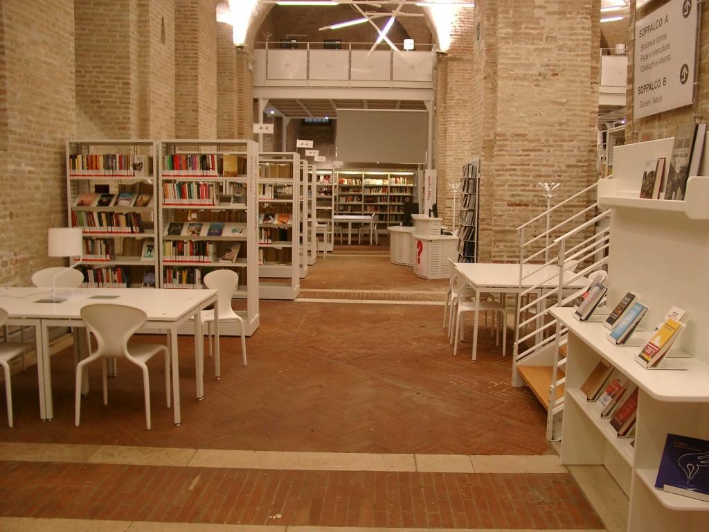 Archivio magazzino biblioteca ursano arredamento for Arredamento magazzino